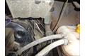 Прокладка кабеля питания из пассажирского отсека в моторный отсек, по технологического отверстию