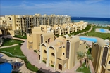 Апартаменты и виллы, окруженные 7 бассейнами, тропическими садами, зелеными зонами