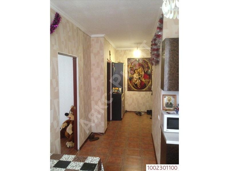 Общая площадь 35 квм, площадь кухни 8 квм квартира в жилом состоянии